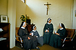 Sisters of the Society of St Margaret .  PRIORY MOTHERS OFFICE MEETING. EAST LONDON  1989, 1980S UK