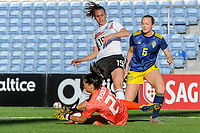 20200304 Faro , Portugal : German midfielder Klara Buhl (19) , Swedish Magdalena Eriksson (6) and Swedish goalkeeper Zecira Musovic (21) pictured during the female football game between the national teams of Germany and Sweden on the first matchday of the Algarve Cup 2020 , a prestigious friendly womensoccer tournament in Portugal , on wednesday 4 th March 2020 in Faro , Portugal . PHOTO SPORTPIX.BE | STIJN AUDOOREN