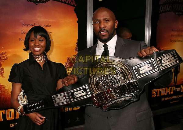 "CHRIS CRAWFORD & GUEST.""Stomp The Yard"" Los Angeles Premiere at Arclight Cinemas, Hollywood, California, USA, 8 January 2007..half length.CAP/ADM/BP.©Byron Purvis/AdMedia/Capital Pictures."