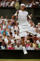 29-6-06,England, London, Wimbledon, second round match,  Nadal celebrates his victory