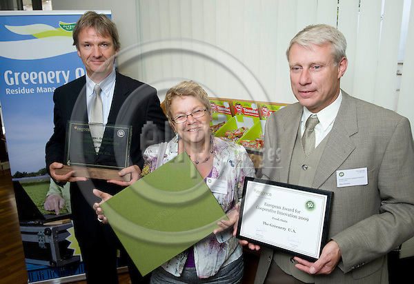 """Brussels-Belgium - June 24, 2009 -- Presentation and handing-over ceremony of the European Award for Cooperative Innovation by/at """"cogeca / european agri-cooperatives""""; here, 'The Greenery BV' from the Netherlands, represented by: Arie van der LINDEN (le), Director 'Quality and Environment'; Marja van der TORRE (ce); Rien SIMONSE (ri) -- Photo: Horst Wagner / eup-images"""