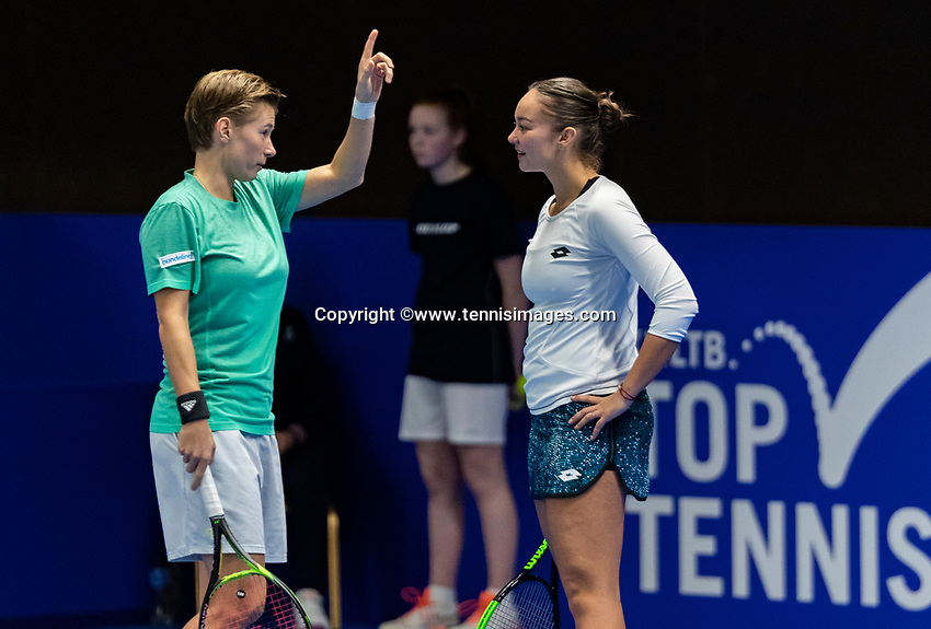 Alphen aan den Rijn, Netherlands, December 16, 2018, Tennispark Nieuwe Sloot, Ned. Loterij NK Tennis, Womans doubles winners: Demi Schuurs (NED) (L) and Lesley Kerkhove (NED)<br /> Photo: Tennisimages/Henk Koster