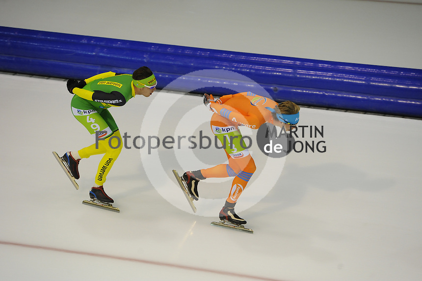 SCHAATSEN: HEERENVEEN: 25-10-2014, IJsstadion Thialf, Marathonschaatsen, KPN Marathon Cup 2, Thom van Beek (#49), Jorrit Bergsma (#13), ©foto Martin de Jong