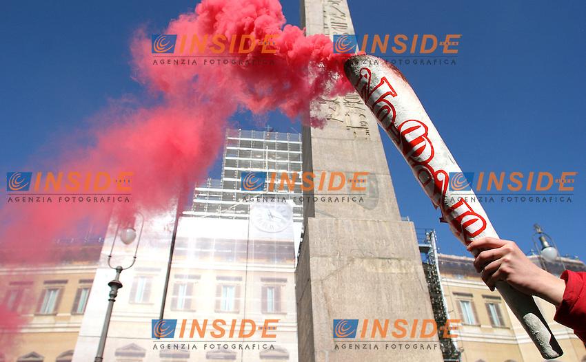 Roma, 7 febbraio 2006: Manifestazione degli Antiproibizionisti contro la legge Fini sulla droga.<br /> <br /> <br /> <br /> Photo: Serena Cremaschi Insidefoto