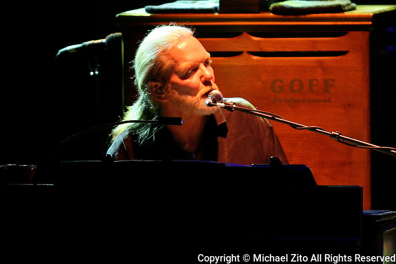 05/20/09 Los Angeles, CA: Gregg Allman and The Allman Brothers Band perform at the Greek Theater.