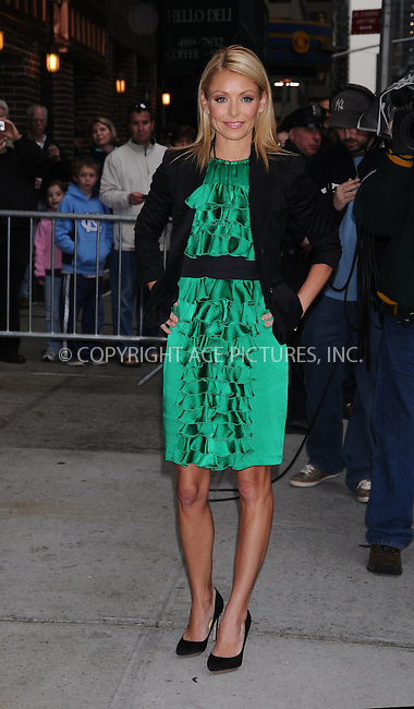 WWW.ACEPIXS.COM..April 14 2009, New York City..TV personality Kelly Ripa made an appearance at the 'Late Show with David Letterman' at the Ed Sullivan Theater on April 14, 2009 in New York City...Please byline: AJ Sokalner - ACEPIXS.COM...*** ***...Ace Pictures, Inc.tel: (212) 243 8787.e-mail: info@acepixs.com.web: http://www.acepixs.com..