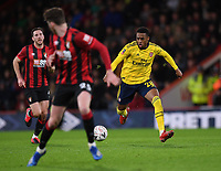 27th January 2020; Vitality Stadium, Bournemouth, Dorset, England; English FA Cup Football, Bournemouth Athletic versus Arsenal; Joe Willock of Arsenal brings the ball forward