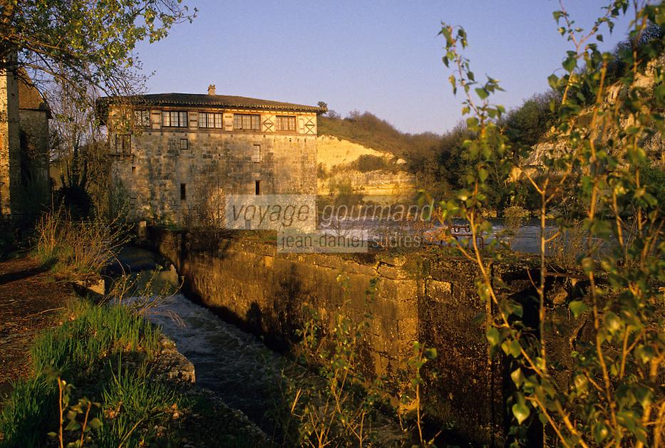 Europe/France/Aquitaine/47/Lot-et-Garonne/Lustrac : Moulin à eau