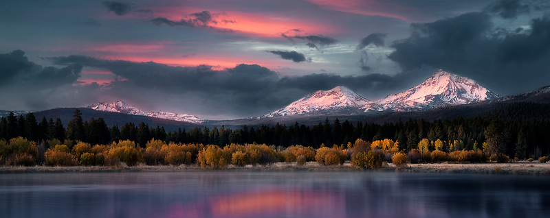 Ponds at Black Butte Ranch with Three Sisters Mountain sunrise and fall color. Central Oregon