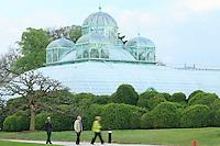 Belgique, Bruxelles, Laeken, le domaine royale du château de Laeken, les serres de Laeken durant la période d'ouverture au public au printemps, la serre du Congo // Belgique, Bruxelles, Laeken, the royal castle domain, the greenhouses of Laeken in spring, The Greenhouse of du Congo.