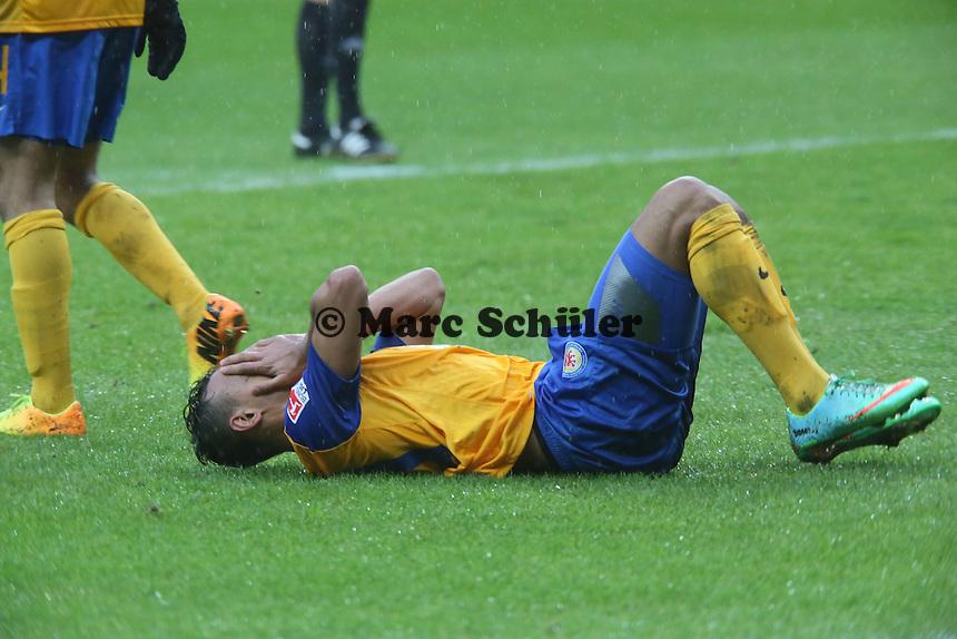 Karim Bellarabi (Braunschweig) enttaeuscht - Eintracht Frankfurt vs. Eintracht Braunschweig, Commerzbank Arena
