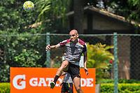 SÃO PAULO, SP, 25.11.2016 – FUTEBOL-SAO PAULO -  Maicon durante treino do São Paulo realizado no CT da Barra Funda, na zona oeste da capital, na manhã desta sexta - feira (25).(Foto: Renato Gizzi/Brazil Photo Press)