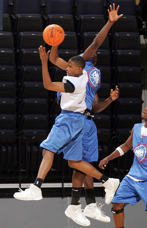 PG Larry Drew (Woodland Hills, CA /Taft) gets the rebound during the NBA Top 100 Camp held Thursday June 21, 2007 at the John Paul Jones arena in Charlottesville, Va. (Photo/Andrew Shurtleff)