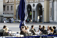 Caffe' all'aperto in Piazza San Carlo a Torino.<br /> Outdoor cafes in Piazza San Carlo, Turin.<br /> UPDATE IMAGES PRESS/Riccardo De Luca