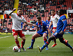 Billy Sharp of Sheffield Utd tussles with Jonathan Forte of Oldham Athletic during the Sky Bet League One match at The Bramall Lane Stadium.  Photo credit should read: Simon Bellis/Sportimage