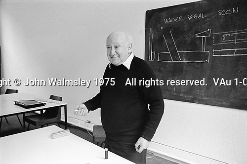 #77215  Walter Segal, architect, at the Architectural Association School of Architecture, London.  1975.