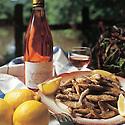07/02/99 - THIERS - PUY DE DOME - FRANCE - Friture fraiche de poisson d eau douce - Photo Jerome CHABANNE
