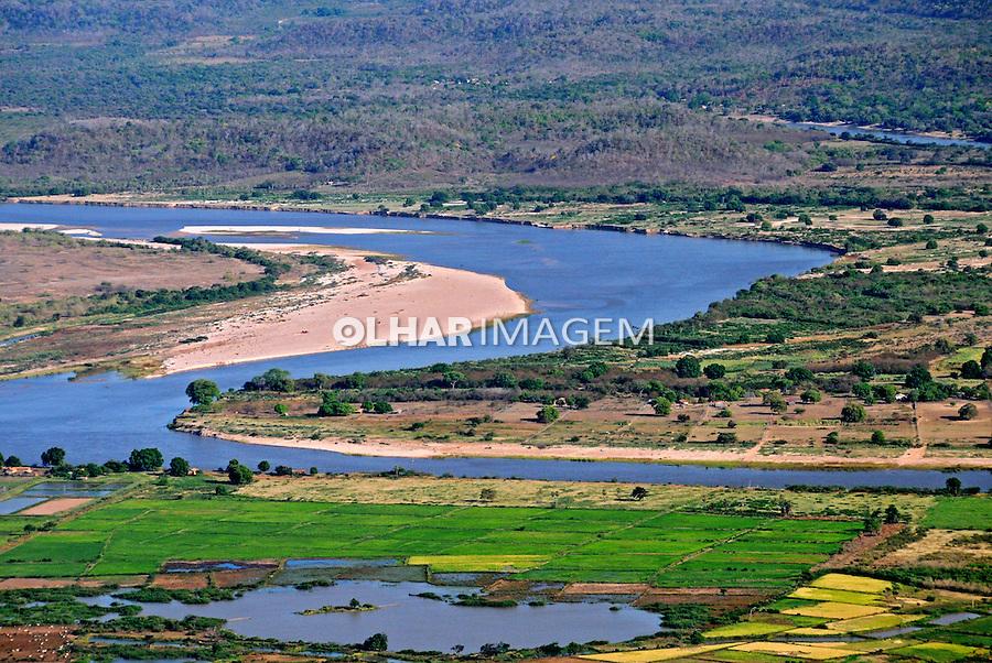 Rio Parnaiba e plantaçao de arroz, municipio de Luzilandia. Piaui. 2010. Foto de Zog Koch.