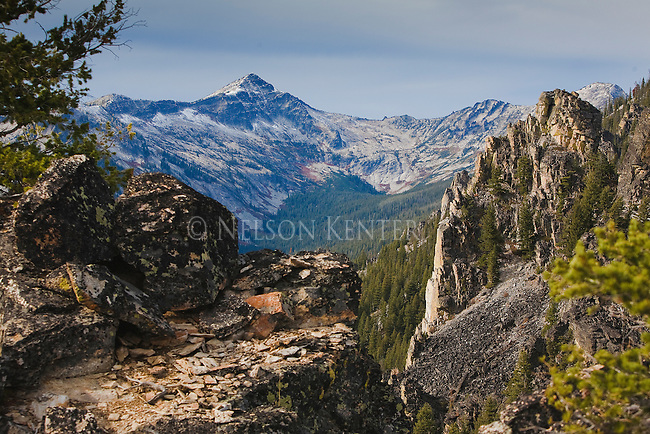 Rocky cliffs and the mountain view from Bear creek Overlook in the Bitterroot Mountains in Montana