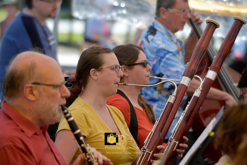 Summer in Dowse Square - Hutt Orchestra and Hutt Ukulele Orchestra at Dowse Art Museum, Lower Hutt, New Zealand on Saturday 11  February 2017.<br /> Photo by Masanori Udagawa<br /> www.photowellington.photoshelter.com.
