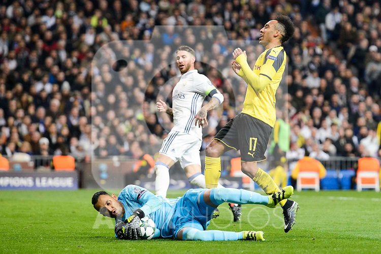 Real Madrid's Keylor Navas and Sergio Ramos and Borussia Dortmund Pierre-Emerick Aubameyang during the UEFA Champions League match between Real Madrid and Borussia Dortmund at Santiago Bernabeu Stadium in Madrid, Spain. December 07, 2016. (ALTERPHOTOS/BorjaB.Hojas)