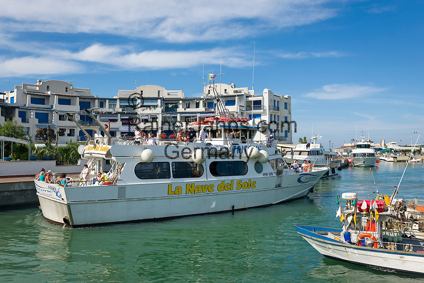 Italy, Emilia-Romagna, Portoverde near Cattolica: marina   Italien, Emilia-Romagna, Portoverde bei Cattolica: Yachthafen