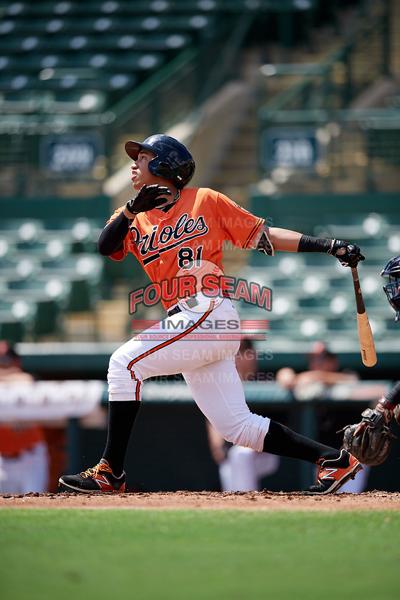 Baltimore Orioles Davis Tavarez (81) at bat during an Instructional League game against the Atlanta Braves on September 25, 2017 at Ed Smith Stadium in Sarasota, Florida.  (Mike Janes/Four Seam Images)
