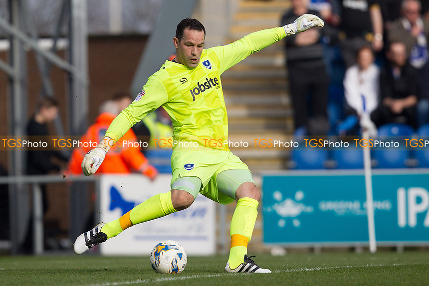 David Forde of Portsmouth during Colchester United vs Portsmouth, Sky Bet EFL League 2 Football at the Weston Homes Community Stadium on 11th March 2017