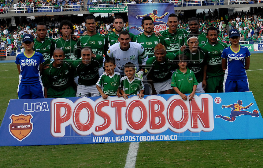 CALI- COLOMBIA- 16-02-2103: Jugadores del Deportivo Cali posan para una foto antes del partido contra Atlético Nacional en partido por la Liga de Postobon I en el estadio Pascual Guerrero en la ciudad de Cali, marzo16 de 2013. (Foto: VizzorImage / Luis Ramírez / Staff). Players of Deportivo Cali pose for a photo before the match against Atletico Nacional in a match for the Postobon I League at the Pascual Guerrero stadium in Cali city, on March 16, 2013, (Photo: VizzorImage / Luis Ramirez / Staff.).