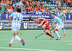 The Hague, Netherlands, June 15: Harry Martin #9 of England passes the ball during the field hockey bronze match (Men) between Argentina and England on June 15, 2014 during the World Cup 2014 at Kyocera Stadium in The Hague, Netherlands. Final score 2-0 (0-0)  (Photo by Dirk Markgraf / www.265-images.com) *** Local caption ***