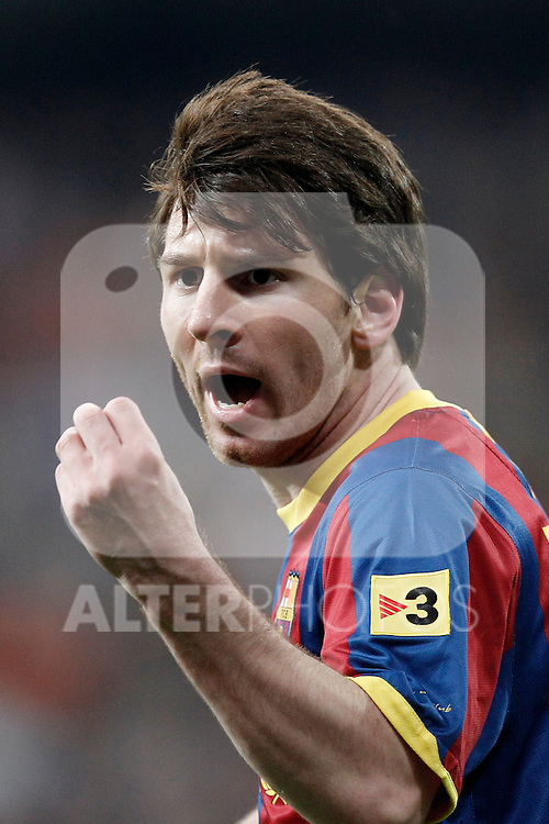 FC Barcelona's Lionel Messi have words with the referee during la Liga match on April 16th 2011...Photo: Cesar Cebolla / ALFAQUI