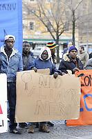 Piazza Esquilino.A due anni dalle rivolte di Rosarno,l'Assemblea dei Lavoratori Africani a Roma con varie associazioni antirazziste per chiedere giustizia sul lavoro,permessi di soggiorno per uscire dalla clandestinità e la fine dello sfruttamento, per la sovranità alimentare e la difesa dell'agricoltura contadina.
