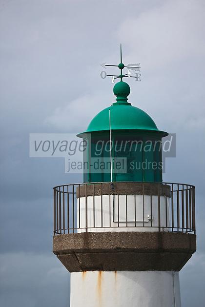 Europe/France/Bretagne/56/Morbihan/ Belle-Ile-en-Mer/Le Palais: Un des phares du port