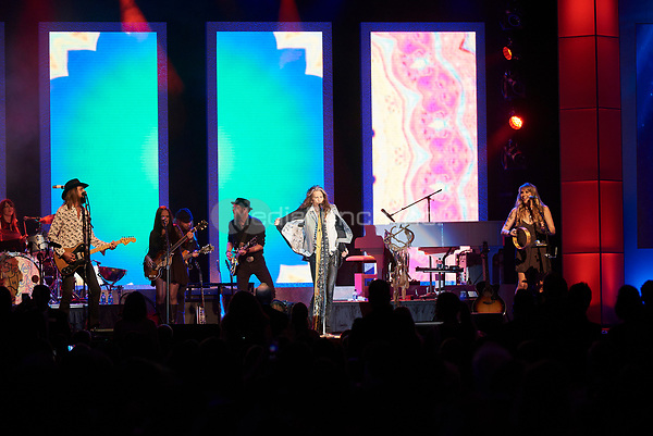 "ST. PAUL, MN JULY 16: Steven Tyler & the Loving Mary Band perform at the Starkey Hearing Foundation ""So The World May Hear Awards Gala"" on July 16, 2017 in St. Paul, Minnesota. Credit: Tony Nelson/Mediapunch"
