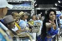 SÃO PAULO, SP, 28 DE JANEIRO DE 2012 - ENSAIO TÉCNICO NENÊ DA VILA MATILDE - Modelo Deborah Caetano durante ensaio técnico da Escola de Samba Nenê da Vila Matilde na praparação para o Carnaval 2012. O ensaio foi realizado na noite deste sabado no Sambódromo do Anhembi, zona norte da cidade. FOTO: LEVI BIANCO - NEWS FREE
