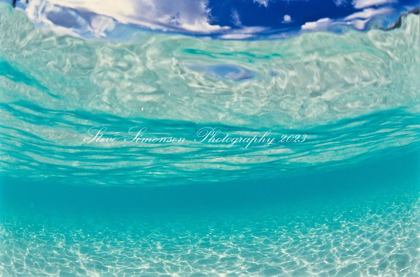 Clear blue Caribbean ocean water