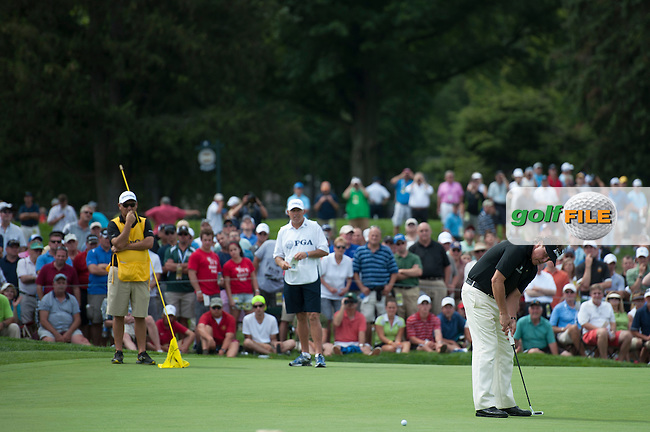 Phil Mickelson attempts his birdie putt on the 6th during the opening round of the PGA Championship at Oak Hill Country Club (Photo: Anthony Powter) www.golffile.ie