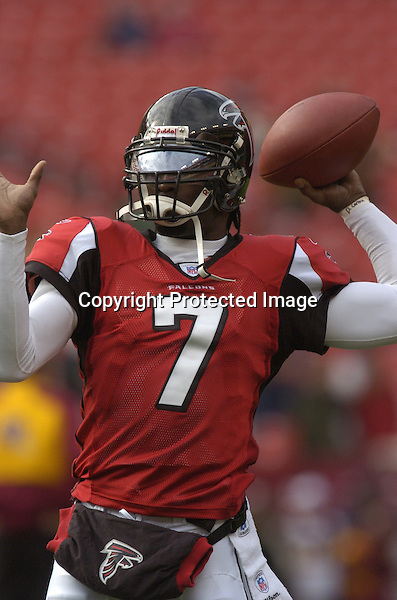3 December 2006:  Falcons QB Michael Vick (7) throws..The Atlanta Falcons defeated the Washington Redskins 24-14 at FedEx Field in Landover, MD.
