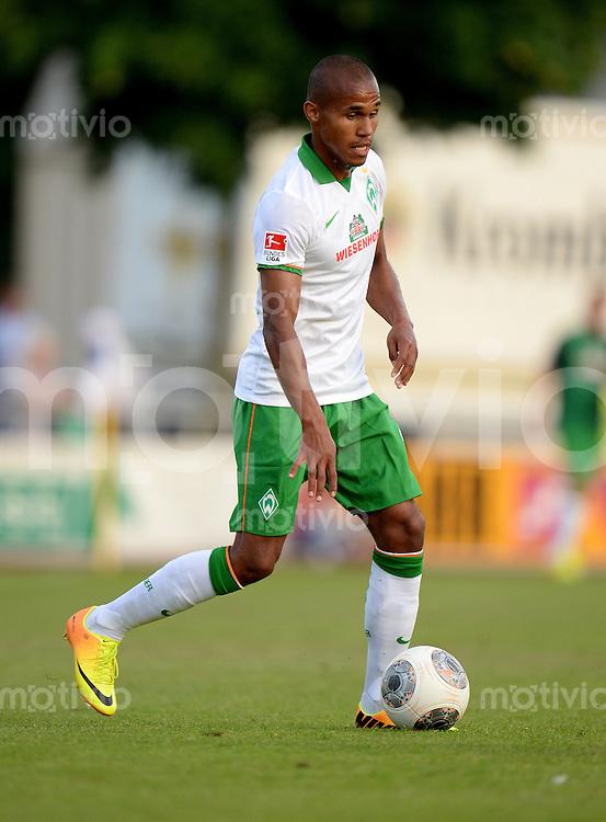 FUSSBALL   1. BUNDESLIGA   SAISON 2013/2014   TESTSPIEL  SV Werder Bremen - PEC Zwolle         17.07.2013 Theodor Gebre Selassie (SV Werder Bremen) am Ball