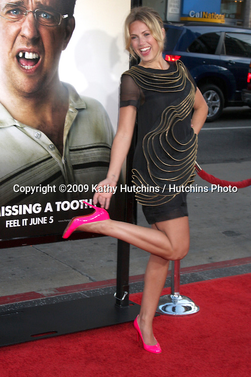"""Vail Bloom  arriving  at the World Premiere of """"Hangover"""" at Grauman's Chinese Theater in Los Angeles, CA  on June 1, 2009 .©2009 Kathy Hutchins / Hutchins Photo."""