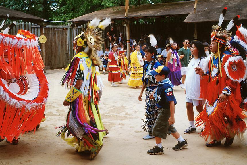 coushatta hindu singles Alabama-coushatta indian tribe of texas principal chief oscola clayton sylestine walked on thursday, january (photo courtesy alabama-coushatta indian tribe of texas) find this pin and more.