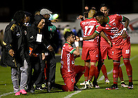 TUNJA -COLOMBIA, 27-08-2016. Juan Sebastian Villota (C) jugador de Patriotas FC celebra un gol anotado a Boyacá Chicó FC durante partido por la fecha 10 de la Liga Águila II 2016realizado en el estadio La Independencia de Tunja./ Juan Sebastian Villota (C) player of Patriotas FC celebrates a goal against Boyaca Chico FC during match for the date 10 of Aguila League II 2016 played at La Independencia stadium in Tunja. Photo: VizzorImage/César Melgarejo/Cont