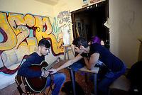Roma, 30 Novembre 2016<br /> Liceo artistico Argan, musica.<br /> Studentesse e studenti occupano la scuola contro la riforma del Governo Renzi.<br /> Murales, pulizie, corsi e assemblee in autogestione.