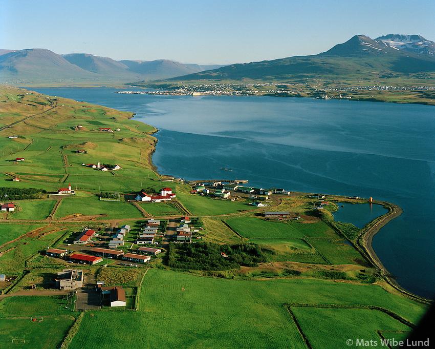 Svalbarðseyri séð til suðurs, Svalbarðsstrandarhreppur. Eyjafjörður, Akureyri í baksýni. / Svalbardseyri viewing south, Svalbardsstrandarhreppur. Eyjafjordur. Akureyri in background.