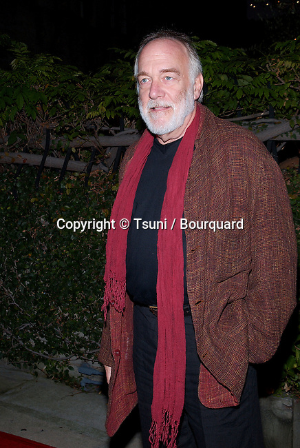 Howard Hessman arriving at the Unexpeted Man at the Geffen Playhouse in Los Angeles.  September 19, 2001.   © Tsuni          -            HessmanHoward03.jpg