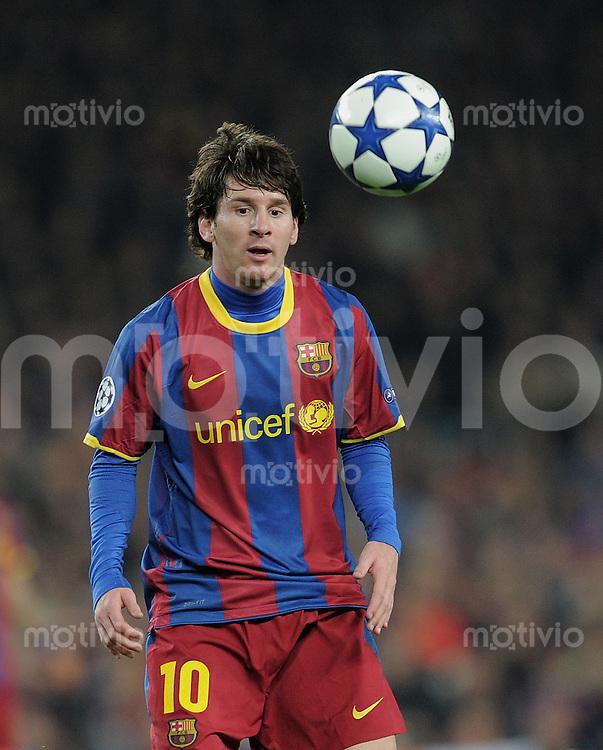 FUSSBALL   CHAMPIONS LEAGUE   SAISON 2010/2011   Achtelfinale  08.03.2011 FC Barcelona - Arsenal London Lionel Messi (Barca) mit Ball