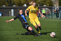 20191026 – Brugge, BELGIUM : Brugge's Chelsey Vanhooren (L) and Standard's Merel Bormans (R) pictured during a women soccer game between Club Brugge Dames and Standard Femina de Liege on the seventh matchday of the Belgian Superleague season 2019-2020 , the Belgian women's football  top division , Saturday 26 th October 2019 at the synthetic terrain 4 at the Jan Breydel site in Brugge  , Belgium  .  PHOTO SPORTPIX.BE | DIRK VUYLSTEKE