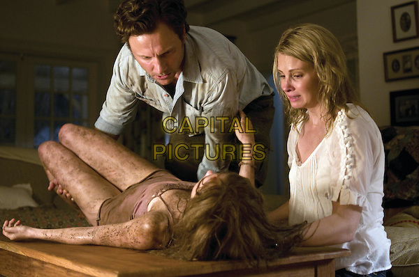 SARA PAXTON, TONY GOLDWYN & MONICA POTTER.in The Last House on the Left.*Filmstill - Editorial Use Only*.CAP/FB.Supplied by Capital Pictures.