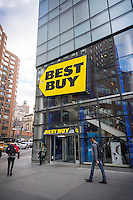 A Best Buy electronics store in Union Square in New York on Friday, November 13, 2015. The cost of 4K Ultra High Definition televisions has come down precipitously this year making them the great hope of retailers as the hot holiday item. (© Richard B. Levine)