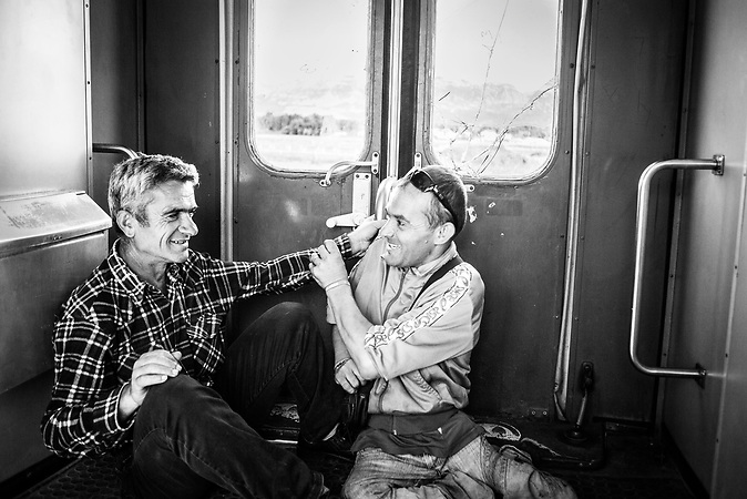 Reisende, Bahnfahrt Richtung Shkodra